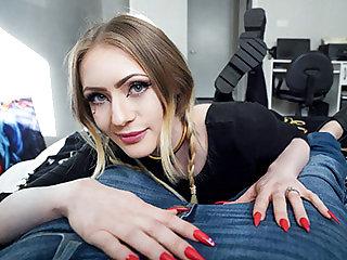 Hot Girls Welcome